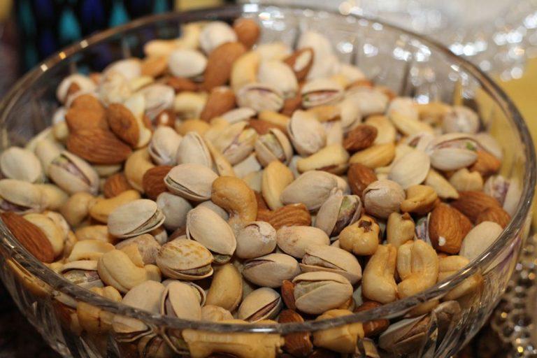 Por qué deberías tomar 50 gramos de frutos secos al día