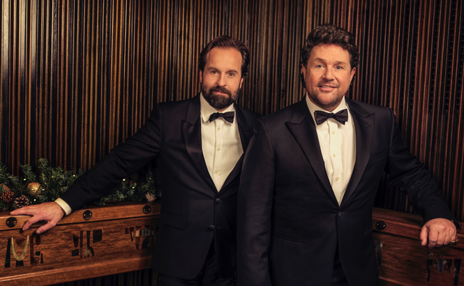 "Michael Ball y Alfie Boe triunfan con ""Together At Christmas"""