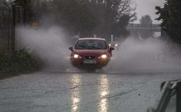 Medidas de protección ante una lluvia torrencial en la calle