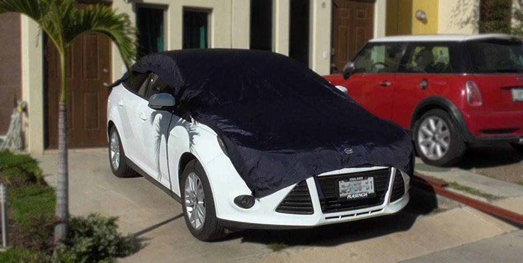 colocación de manta en el coche