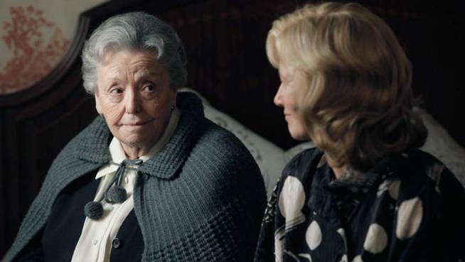Herminia, la abuela de España, junto a su hija en la ficción, Merche (ana Duato).