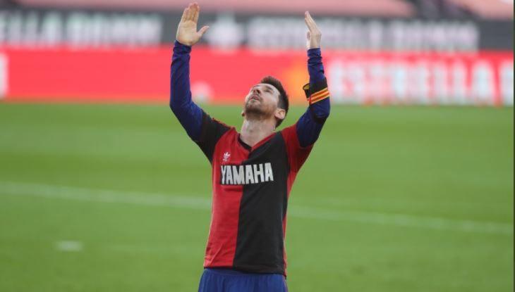 Messi la lía con su homenaje a Maradona: prende fuego a su club