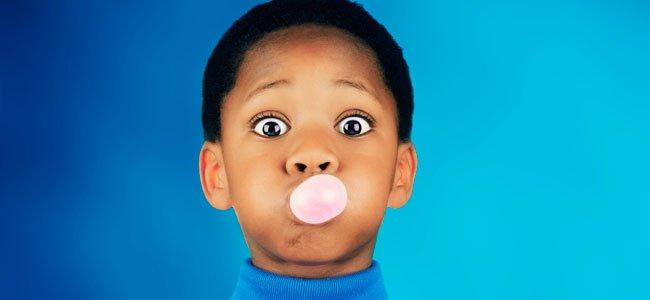 Razones por las que no volverás a meterte un chicle en la boca