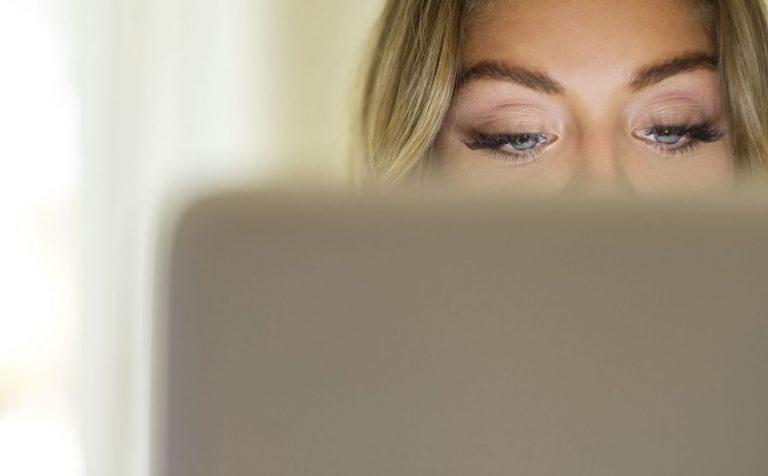 Cómo cuidar tus ojos durante el teletrabajo