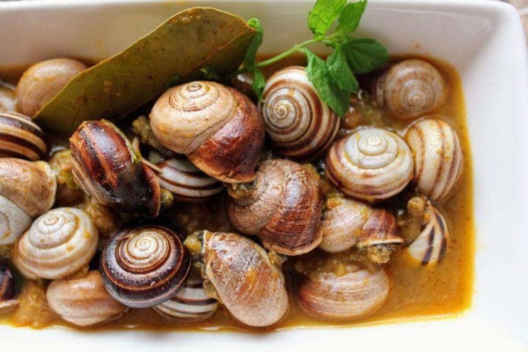 Cómo hacer los auténticos e inigualables caracoles en salsa de almendras