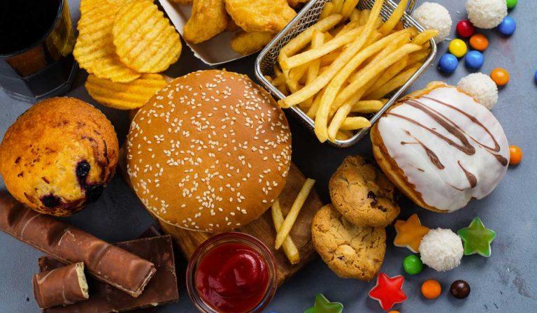 Grasas: estos son los síntomas que te dirán que comes demasiadas
