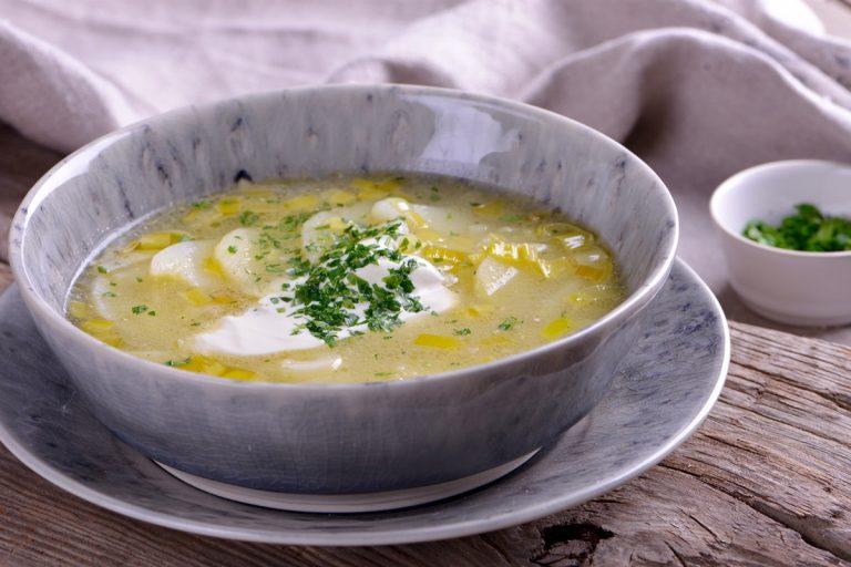 Cómo hacer una sopa de puerros con jengibre