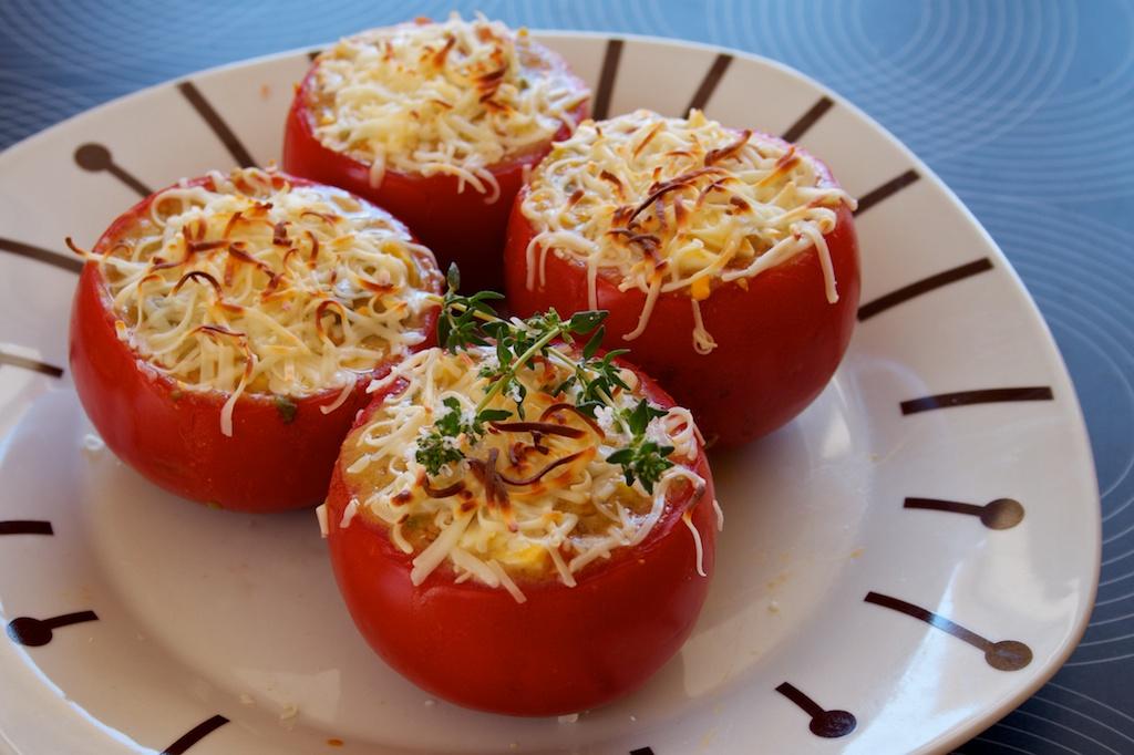 Tomates rellenos al horno