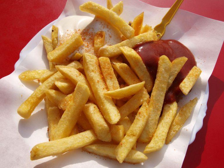 ¡Cojonudas! Así puedes hacer unas patatas fritas en el microondas