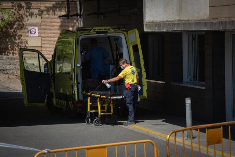 Cataluña registra 2.490 casos y 81 fallecidos más