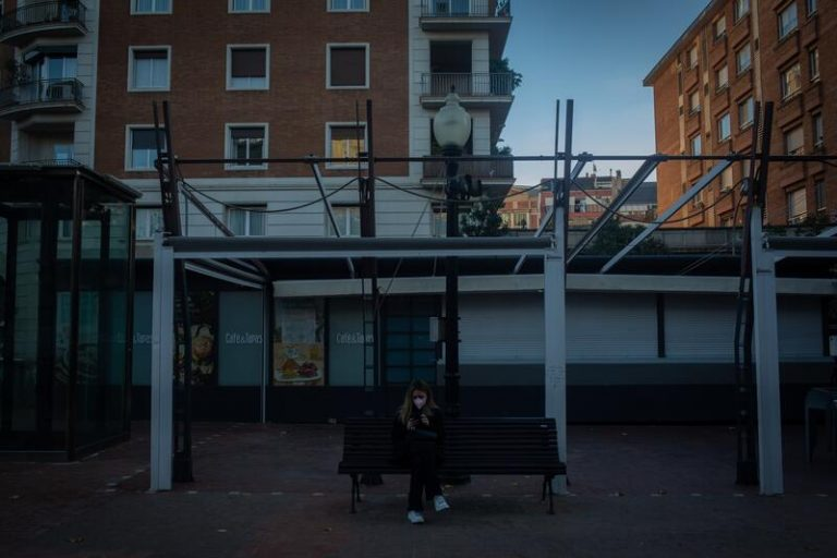 Cataluña publica la prórroga del confinamiento municipal y más restricciones