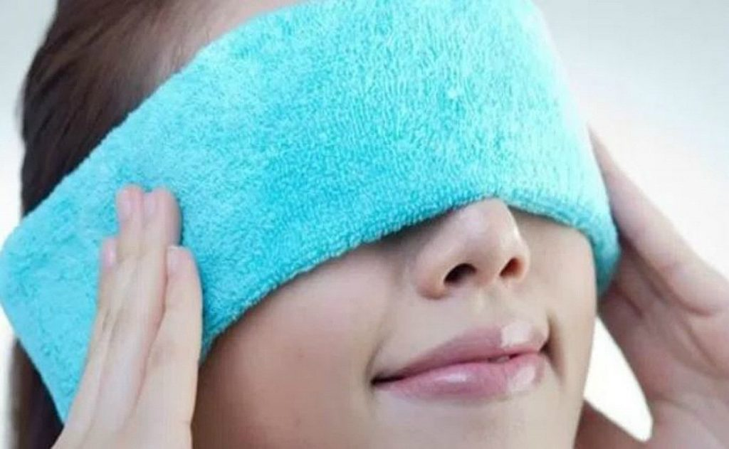 Aplicar frío para la cara hinchada