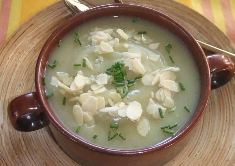 Caldo de almendras: ligera y deliciosa para un suculento primer plato