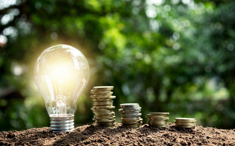 9 claves para ahorrar en el consumo de la luz y llegar a fin de mes