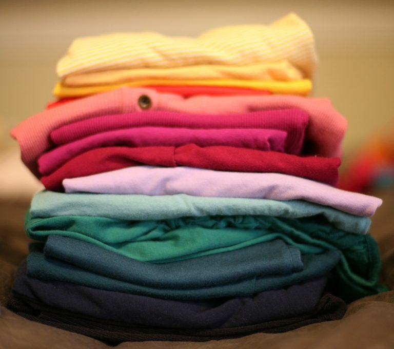 Cómo doblar la ropa fácil y rápido