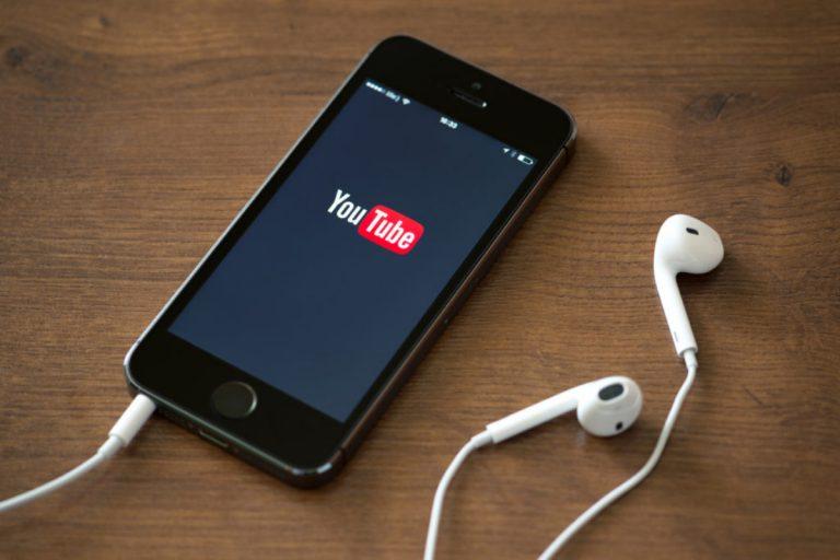 Cómo escuchar música desde YouTube sin abrir el sitio