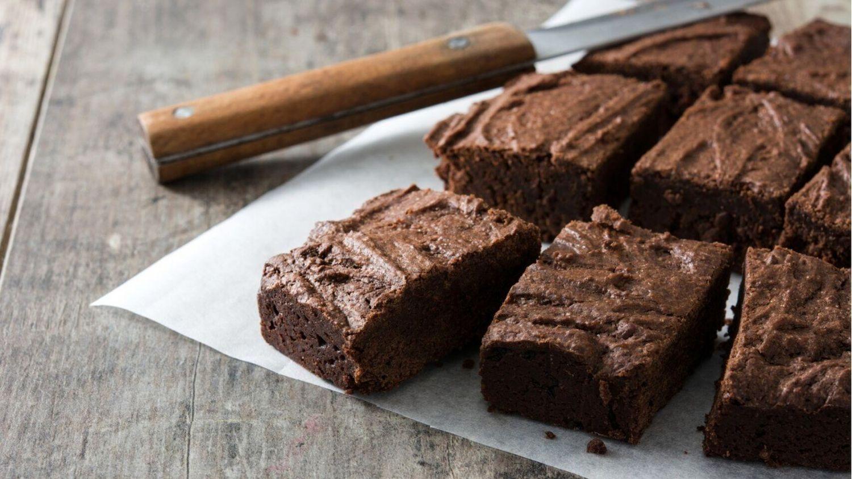 Cómo hacer un bizcocho de chocolate y almendras en el microondas