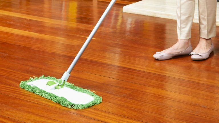 Cómo limpiar el parquet de madera