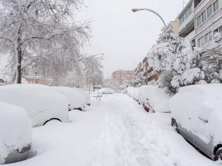 Qué hacer si tu coche ha sufrido daños por la nieve o el hielo