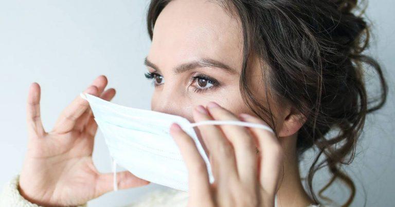 Así es la mascarilla con zinc que se preocupa del acné