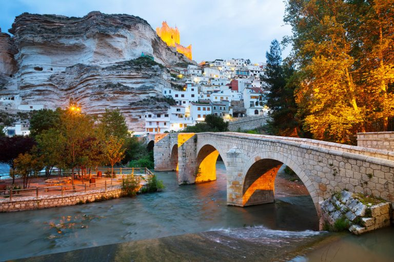 Estos son los 10 pueblos más bonitos y llenos de encanto de España