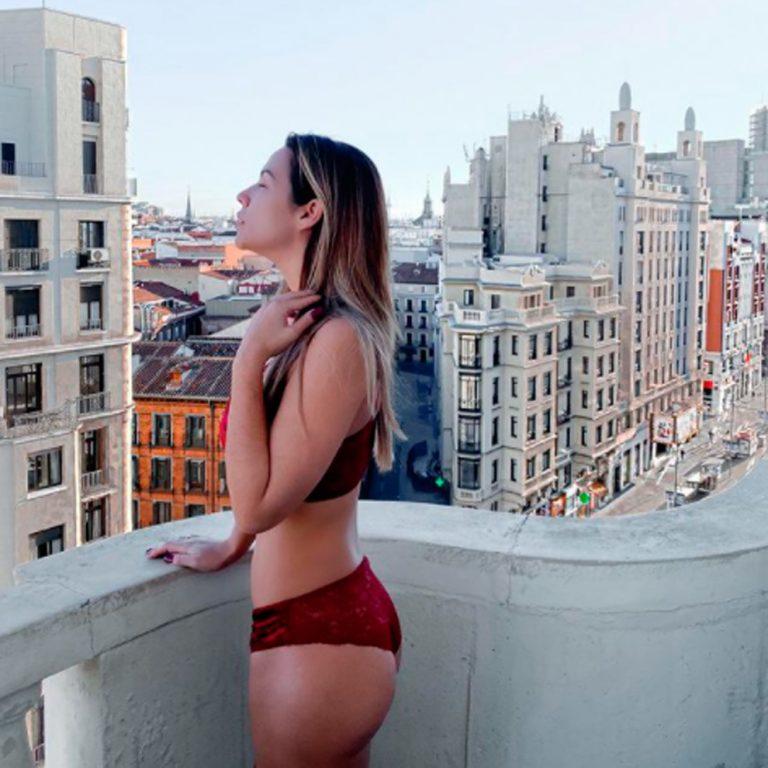 Tamara Gorro y sus posados más sensuales en ropa interior