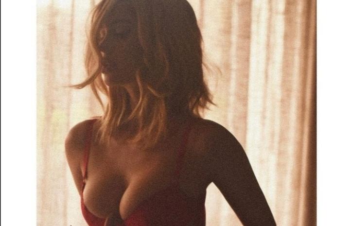 El erótico posado de Natalia Barúlich, la ex de Neymar