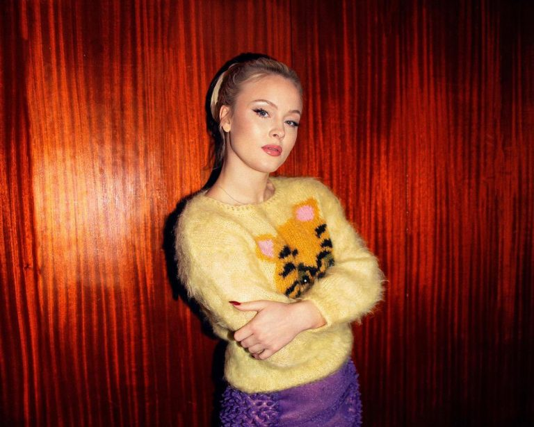 Zara Larsson y 'Talk About Love', nuevo single