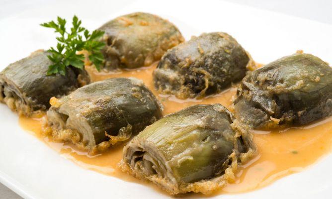 Elaboración de las alcachofas rebozadas con verduras cocidas