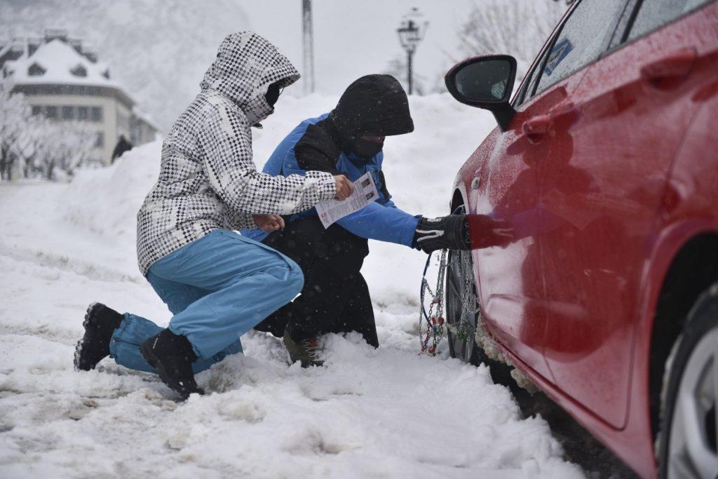 Cuidado con la nieve y el hielo.