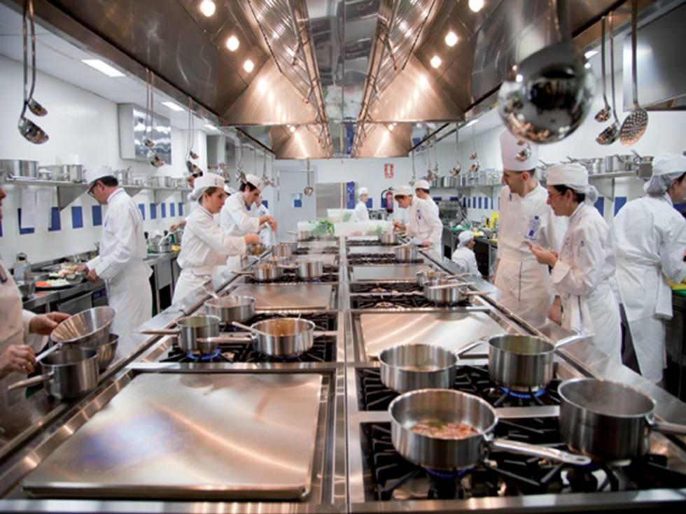 Cocina de vivienda y de restaurante ¿cuál es la diferencia?