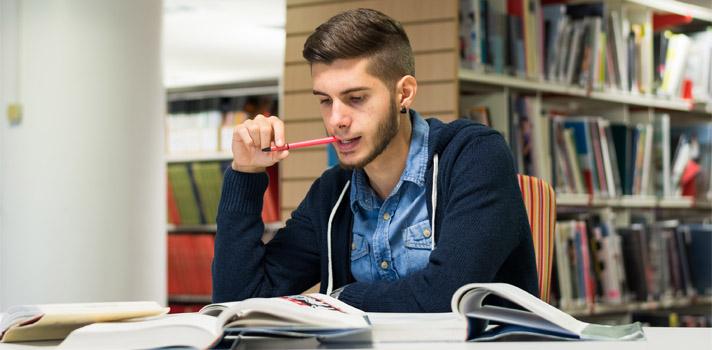 salir de la habitación para estudiar el examen