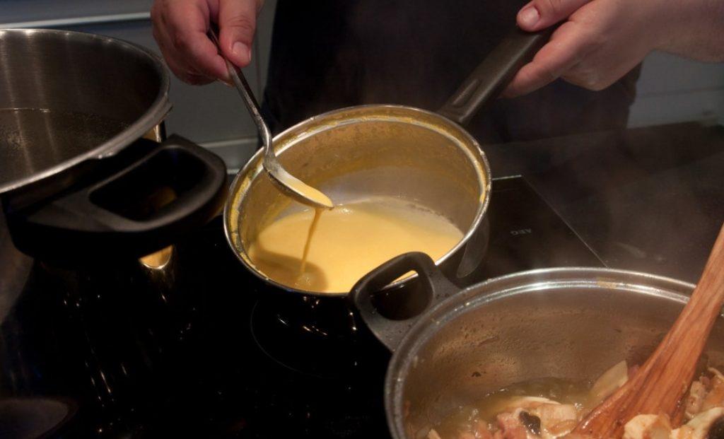 Preparación de la salsa de naranja a la mostaza