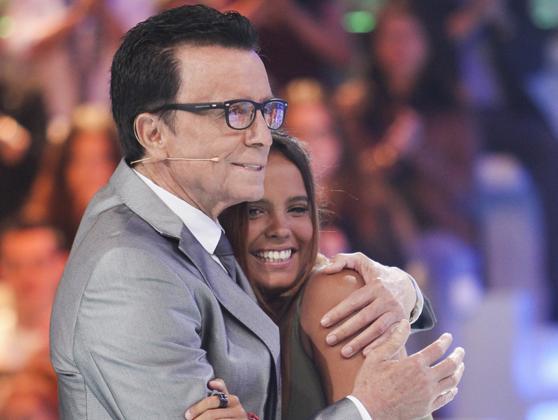 Ortega Cano y Gloria Camila, hija del diestro con Rocío Jurado, en televisión.