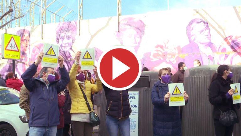 Una concentración ciudadana pide el mantenimiento del mural de La Concepción