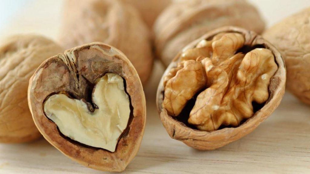 Por qué deberías tomar 50 gramos de frutos secos al día.