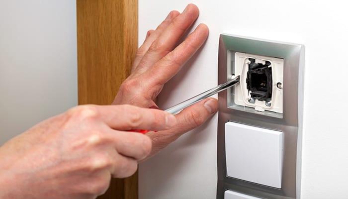 pasos para cambiar un interruptor