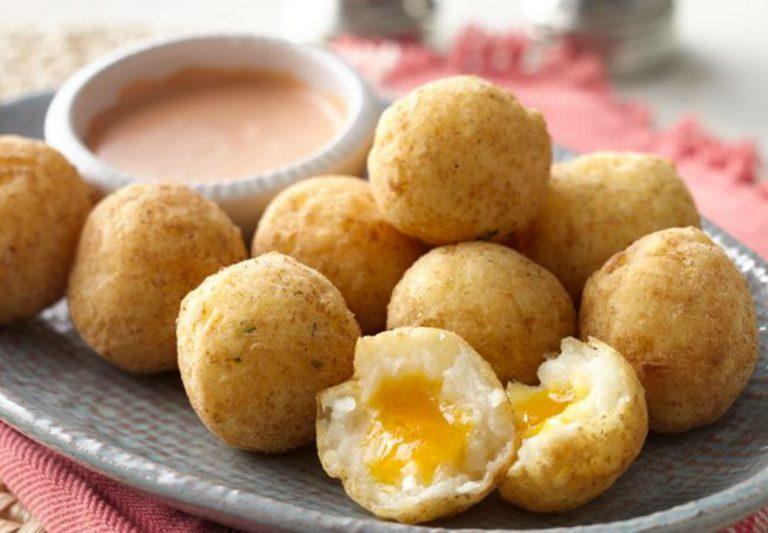 Cómo hacer unas patatas fritas rellenas de queso