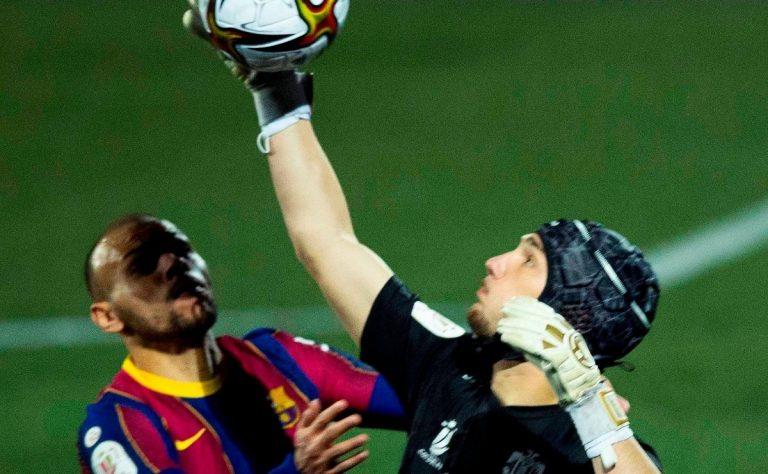 El Barça sobrevive a una prórroga y a Ramón Juan, el portero parapenaltis del Cornellá