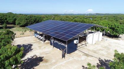 Una planta de paneles solares en Kenia.
