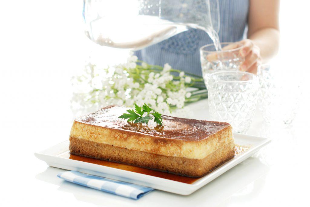 Cómo hacer un bizcoflán, la combinación perfecta de bizcocho y flan