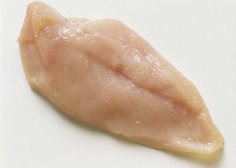 Ingredientes para las brochetas de pollo y verduras