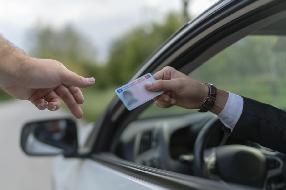 Cómo renovar el carné de conducir desde casa