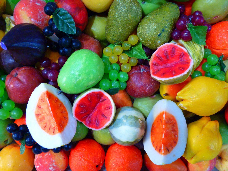 Frutas que son más sanas si no las pelas