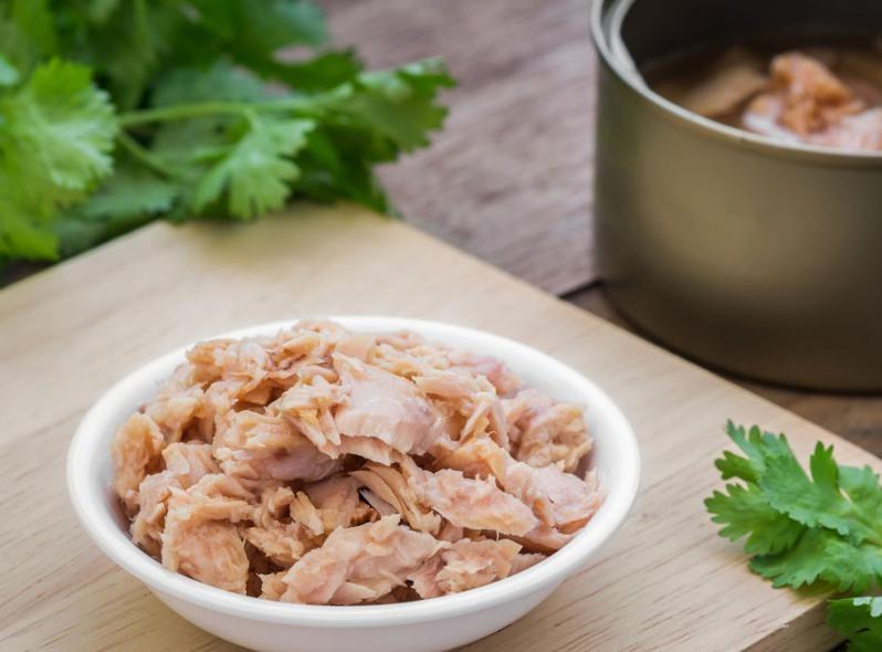 Ingrediente para la lasaña de atún con verduras