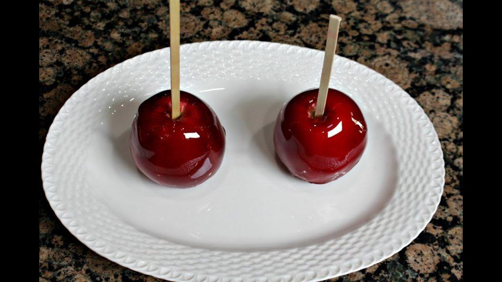 Historia del origen de las manzanas caramelizadas