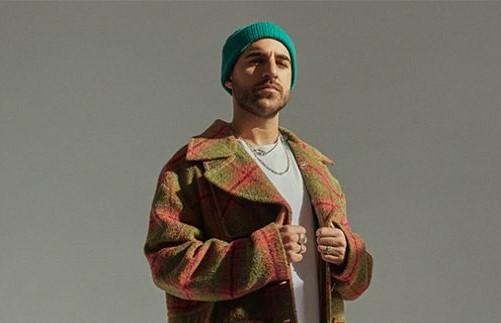 Nil Moliner presenta 'Mejor Así', su nuevo single
