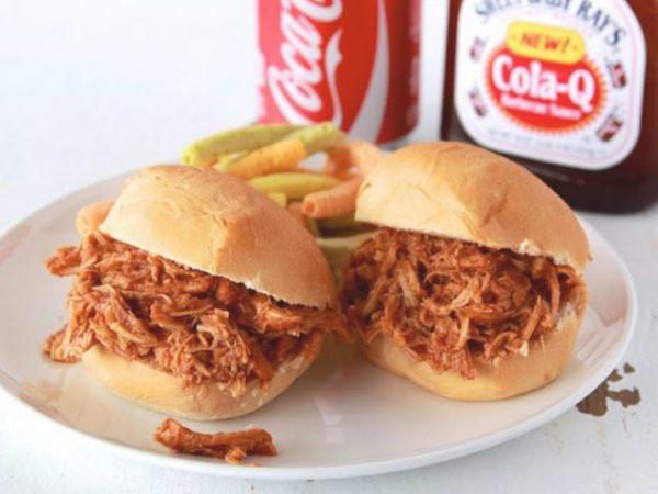 Ingredientes para preparar el sándwich de pollo con Coca Cola