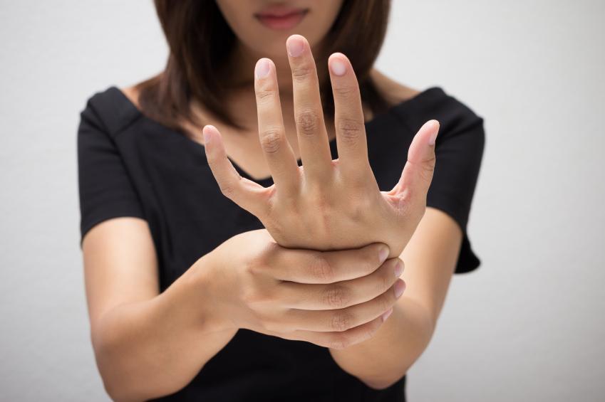 Te tiemblan las manos hipertiroidismo