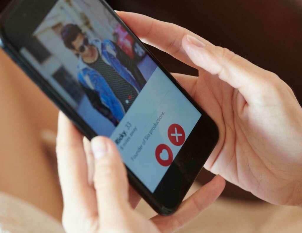 OCU: Tinder se corona como mejor app para ligar